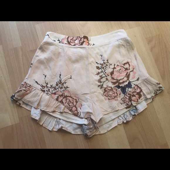 Cotton Candy Pants - NWT Summer Floral Short